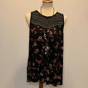 Maurice's plus size 1 floral sleeveless top